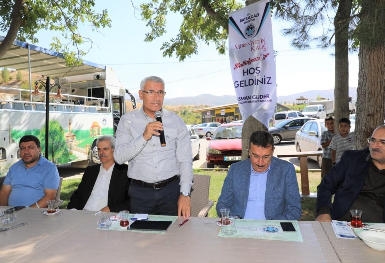 Battalgazi'deki hizmet gezileri devam ediyor