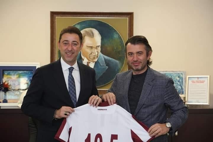Bandırmaspor yönetimi Belediye Başkanı Tosun'u ziyaret etti