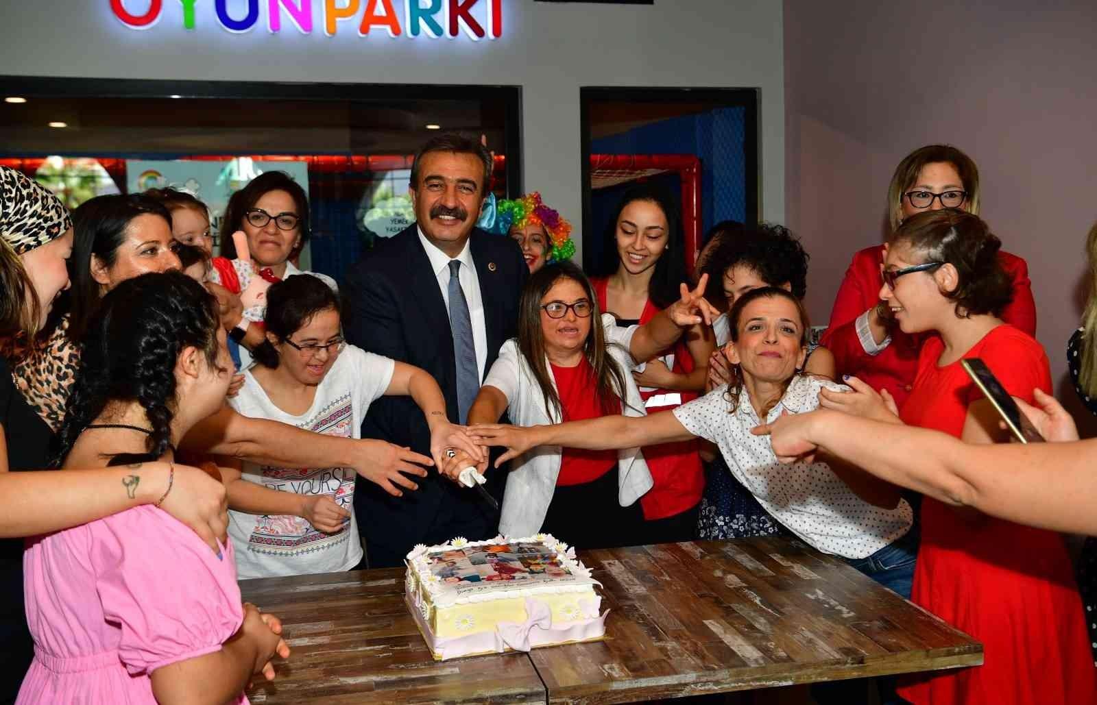 Başkan Soner Çetin özel çocuklarla kahvaltıda buluştu