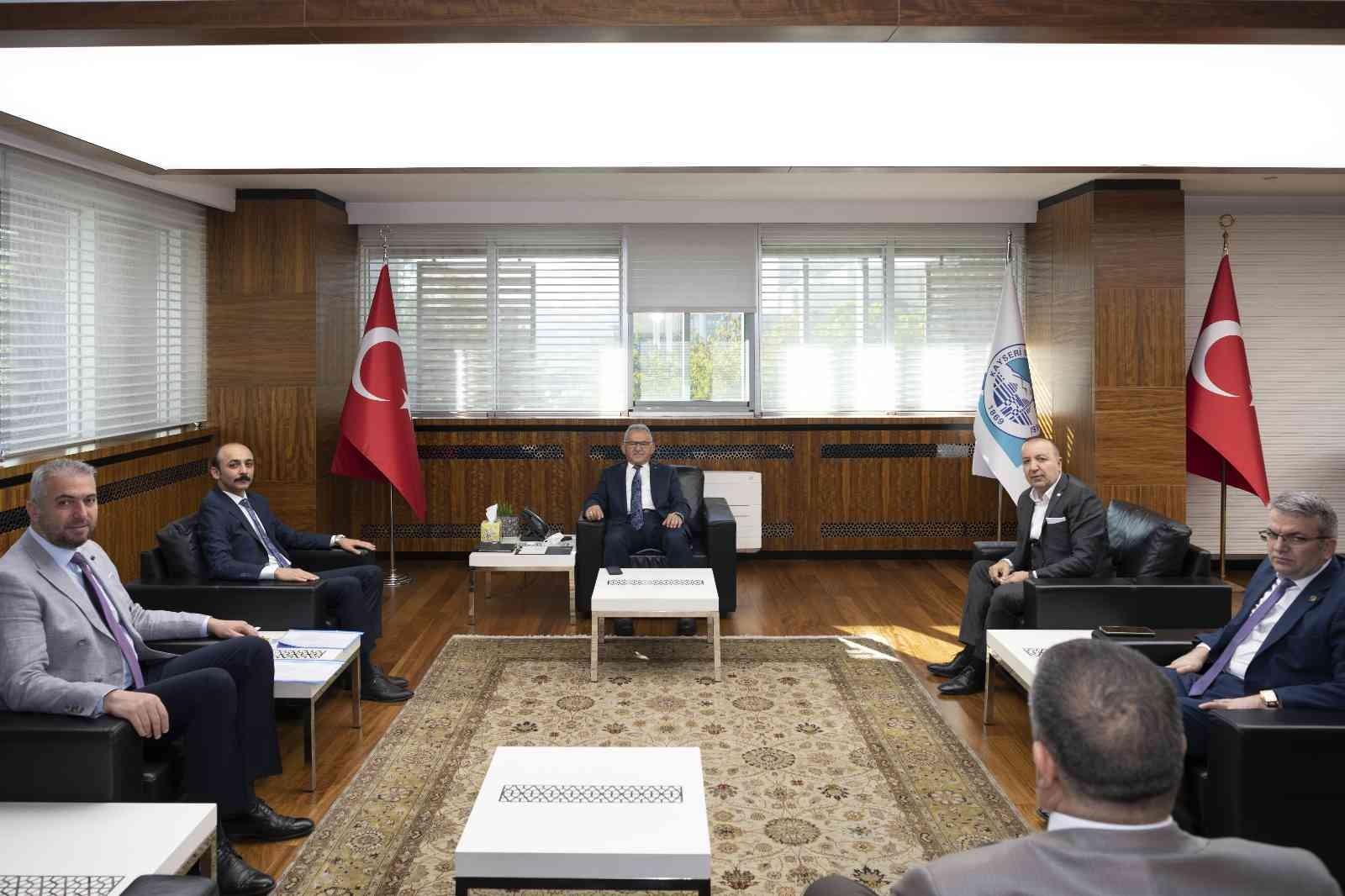 Büyükşehir'de 'Pınarbaşı Zirvesi'