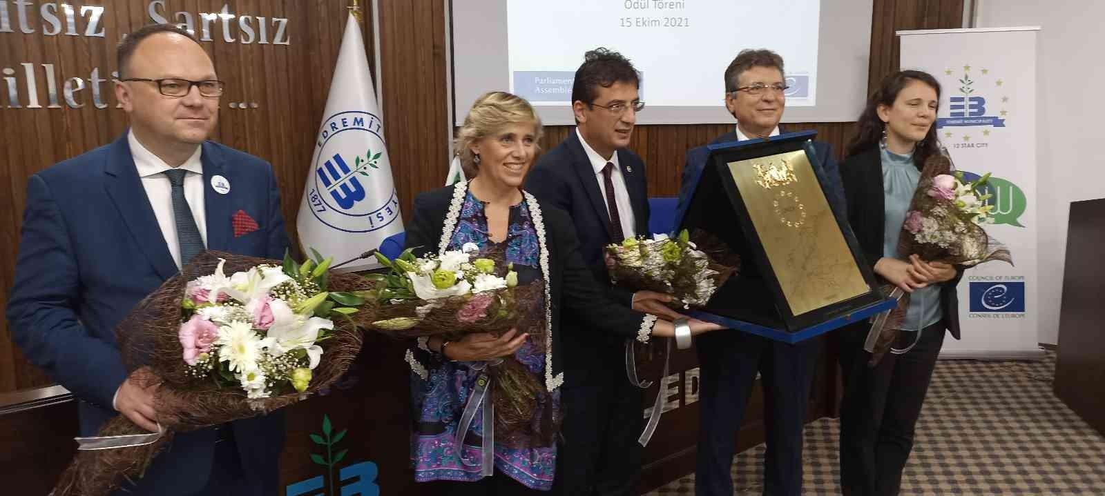 Edremit'e Avrupa Konseyi Parlamenterler Meclisi Şeref Plaketi verildi