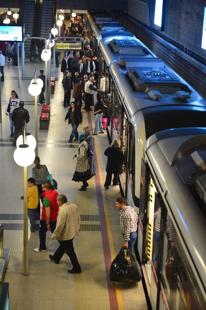 İzmir'de metro ve tramvay çalışanları greve gidiyor: Metro AŞ'den kritik açıklama