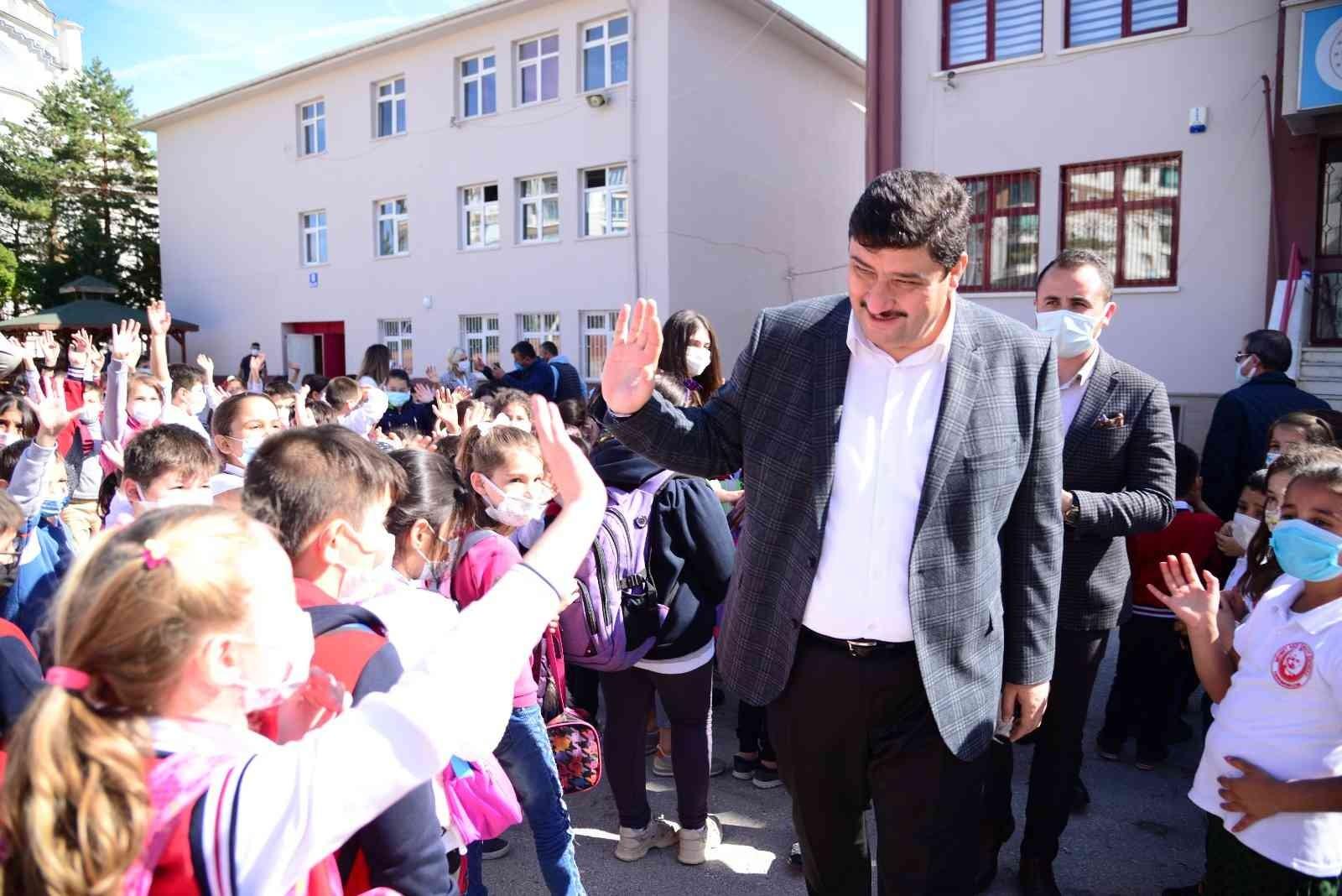 Kahramankazan'da okullara 2 milyon 500 bin TL'lik destek