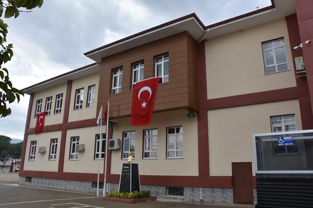 Karaağaçlı Teleset İlkokulu törenle açıldı