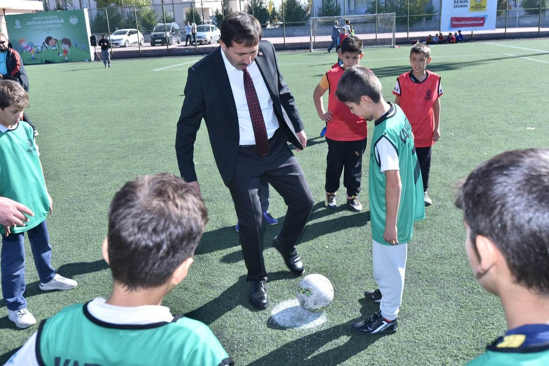 """Karatay Belediyesinden """"ilkokullar arası dostluk ve kardeşlik futbol turnuvası"""""""
