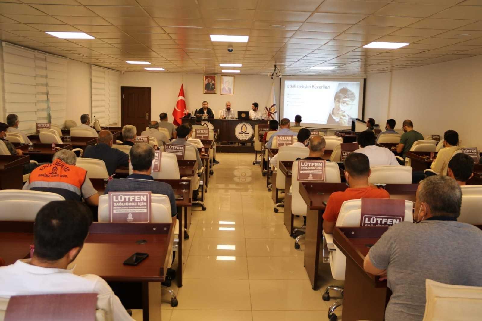 Mardin'de kaymakamlık ve belediye çalışanlarına yönelik seminer