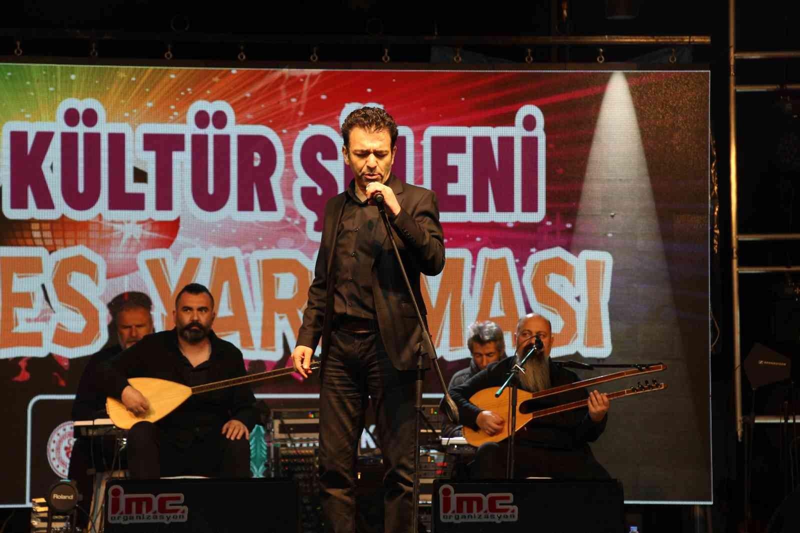 Şırnak'ta Kültür Şöleni ve Ses Yarışması'nın yarı finali yapıldı