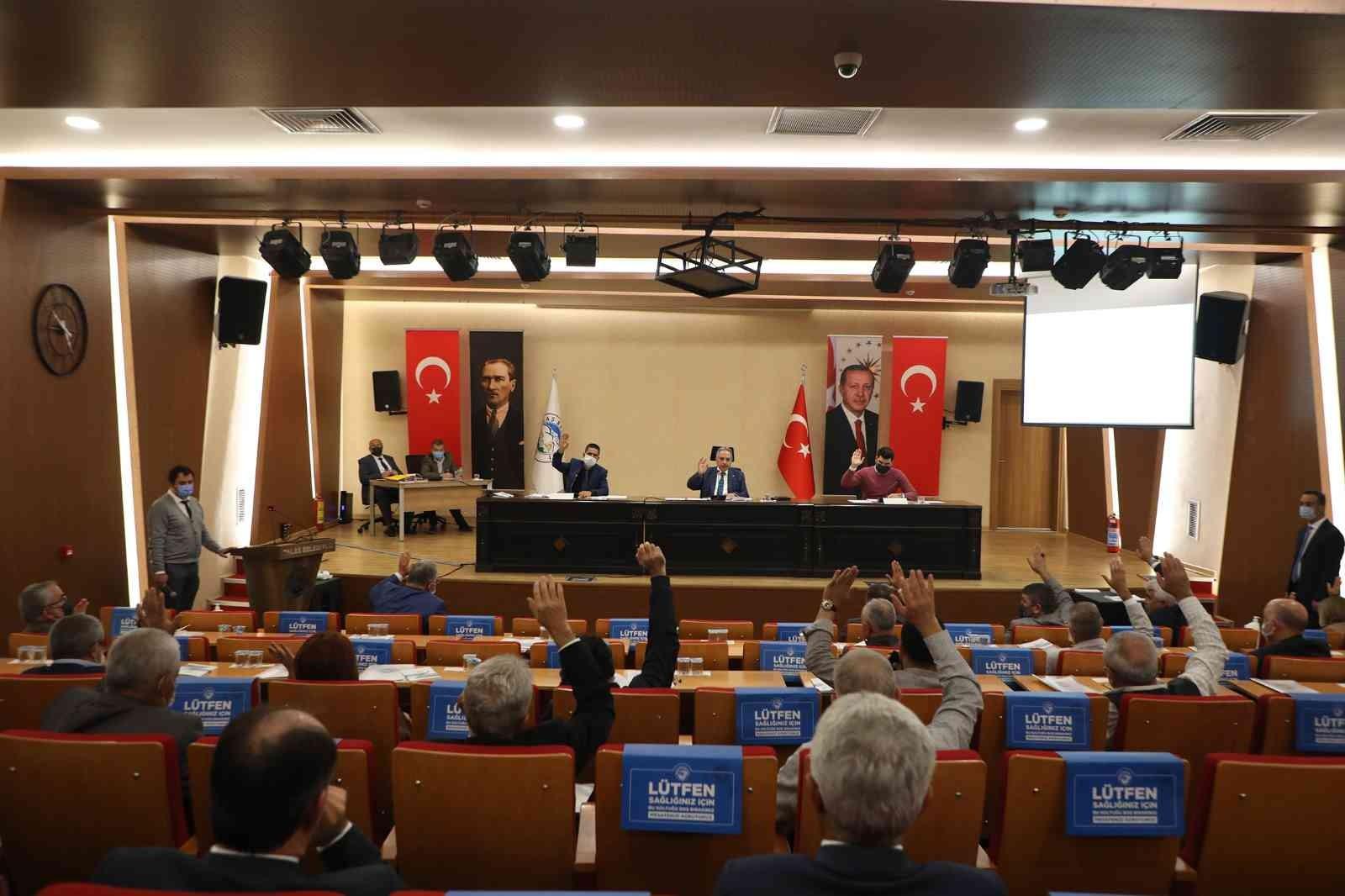 Talas Meclisi'nden Başkan Yalçın ve yatırımlarına takdir